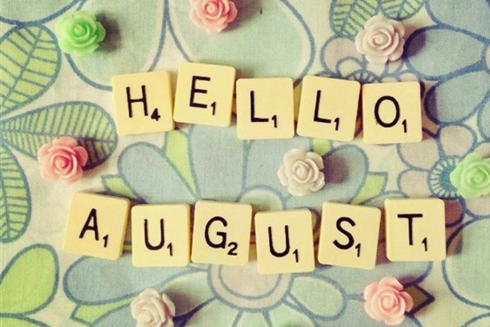 tháng 8