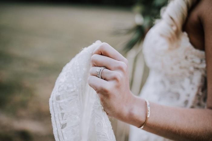 Em đã mở lời rồi, vậy mình cưới nhau được chưa anh?