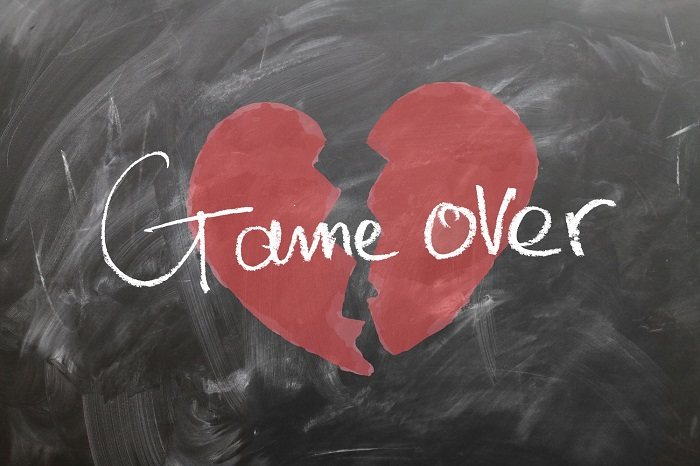 Nghiện mạng xã hội là một trong những sai lầm giết chết tình yêu