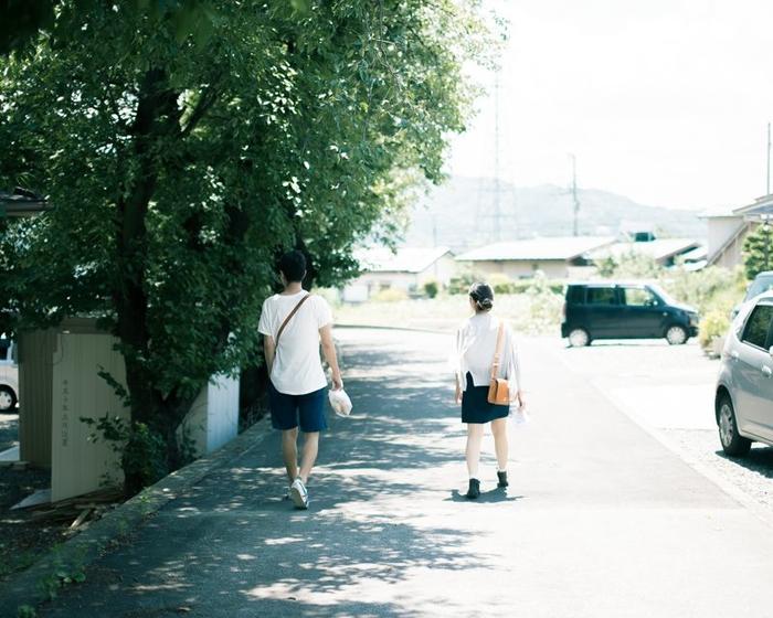 Con trai lần đầu tiên biết thích một người thường có những biểu hiện gì?