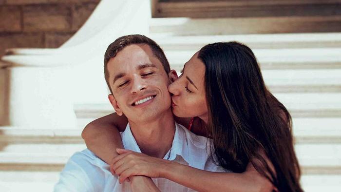 Một trong những trở ngại trong tình yêu của các cặp đôi chính là việc thể hiện cảm xúc và mong muốn hiện tại của bản thân. Vì thế, đừng chần chừ mà hãy cùng nhau tìm hiểu về điều mà cả hai mong muốn để mối quan hệ trở nên thắm thiết và bền lâu.