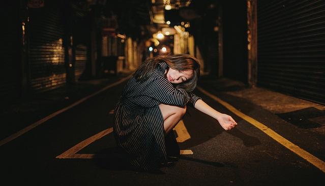 Người ta sống thật với chính mình nhất là khi đêm về