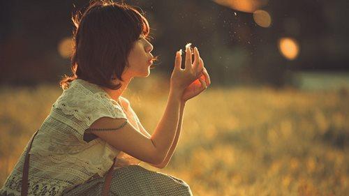 Đừng làm 4 điều sau nếu bạn không muốn rơi vào cảnh 'yêu nhanh chán vội'