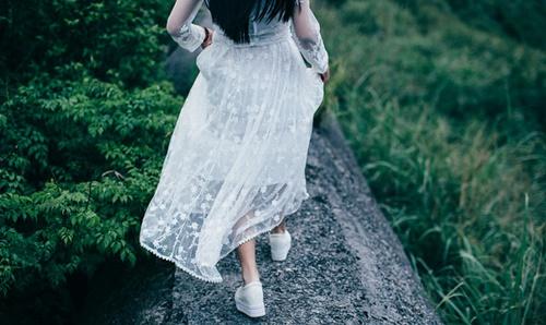 5 dấu hiệu cho thấy bạn đang mắc kẹt trong một mối quan hệ sai người