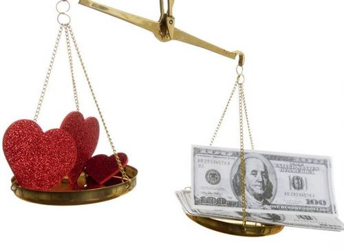 Sự khác nhau giữa yêu thực dụng và thực tế