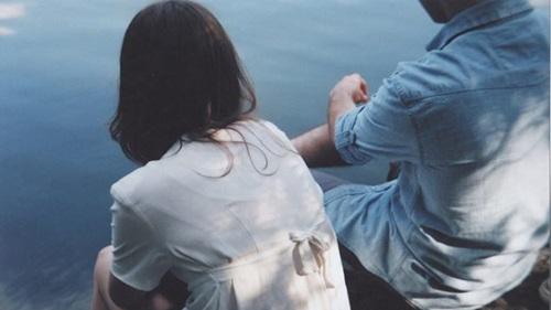 Đủ yêu thì giữ, đủ buồn thì buông