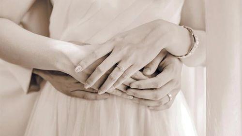 Vết thương lòng của người vợ có chồng ngoại tình với bạn thân