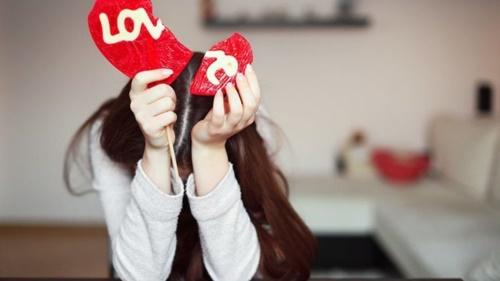 6 dấu hiệu cho thấy rất có thể chàng của bạn đang tơ tưởng đến người khác