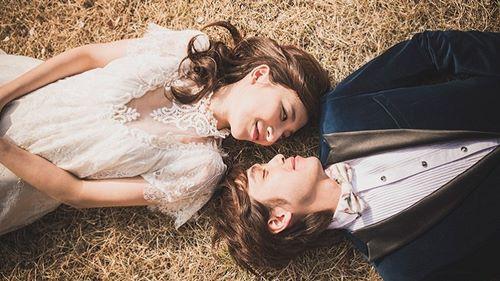 Chúng ta đi tìm tình yêu giữa cuộc đời