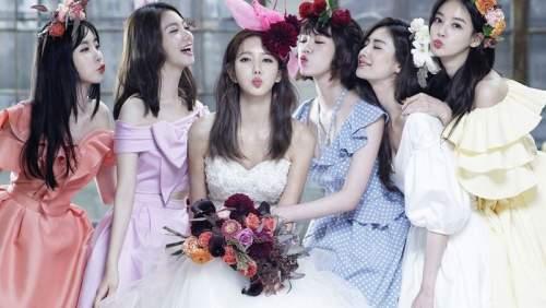 Nỗi niềm của những cô gái dùng cả thanh xuân để đi ăn cưới bạn bè
