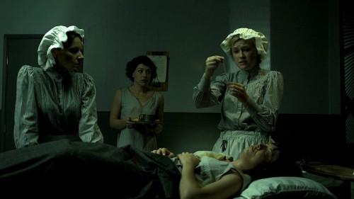 '10 ngày trong nhà thương điên' – bộ phim vạch trần mặt trái của đạo đức