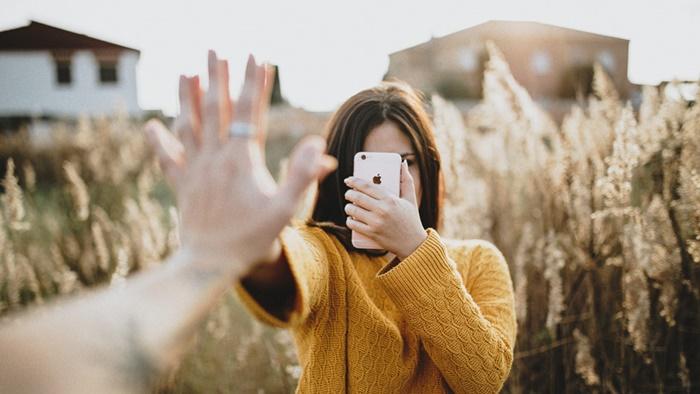 8 lý do người yêu cũ tìm cách liên lạc lại với bạn