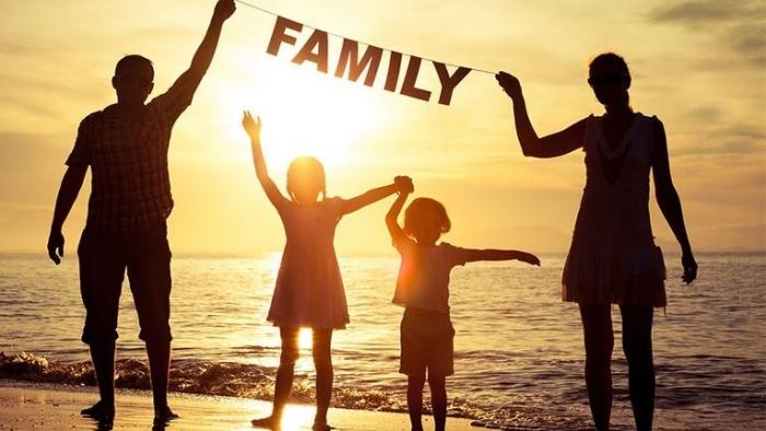 Sẽ buồn biết bao nếu bỏ lỡ tình thương của ba và mẹ