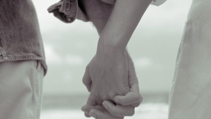 Hãy nhận ra sớm hơn để yêu thương ai đó đủ nhiều