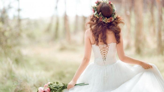 Em vẫn là cô dâu xinh đẹp nhất nhưng chú rể không phải anh nữa rồi