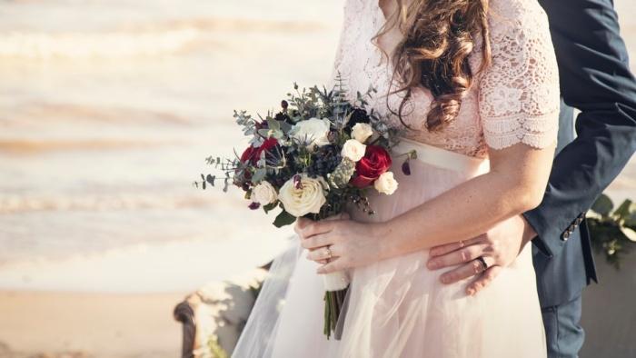 Hôm nay anh là chú rể nhưng cô dâu không phải em