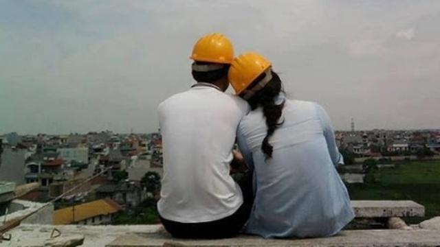 Khi em thương một chàng trai xây dựng