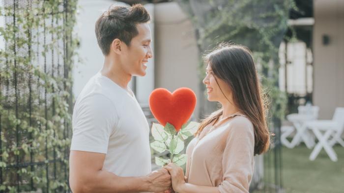 Vợ chồng là nghĩa trăm năm