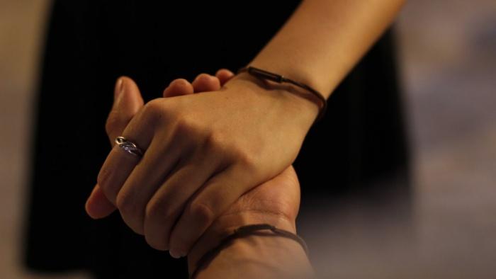Bình yên là ở bên em đến cuối cuộc đời